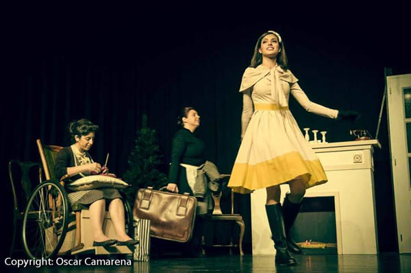Elisa Sandino como Suzon en 8 mujeres (2013).